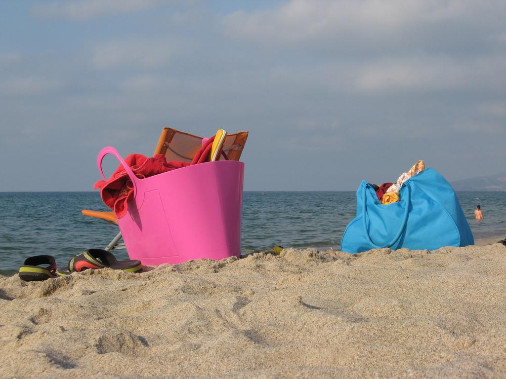 Myrtle Beach tips: Six items your beach bag needs